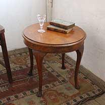 ウォルナットスモールコーヒーテーブル