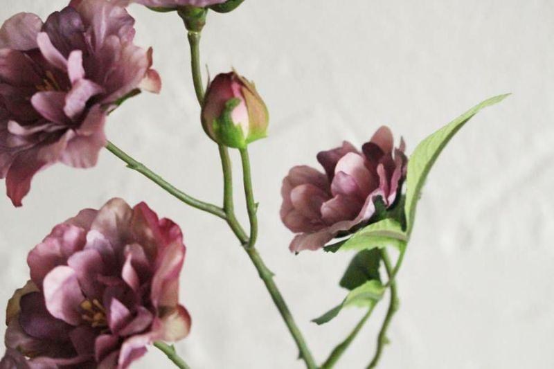 バンクシアローズの造花の花ビラ
