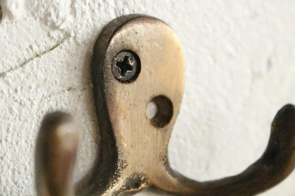 真鍮古色仕上げのフック・タコ