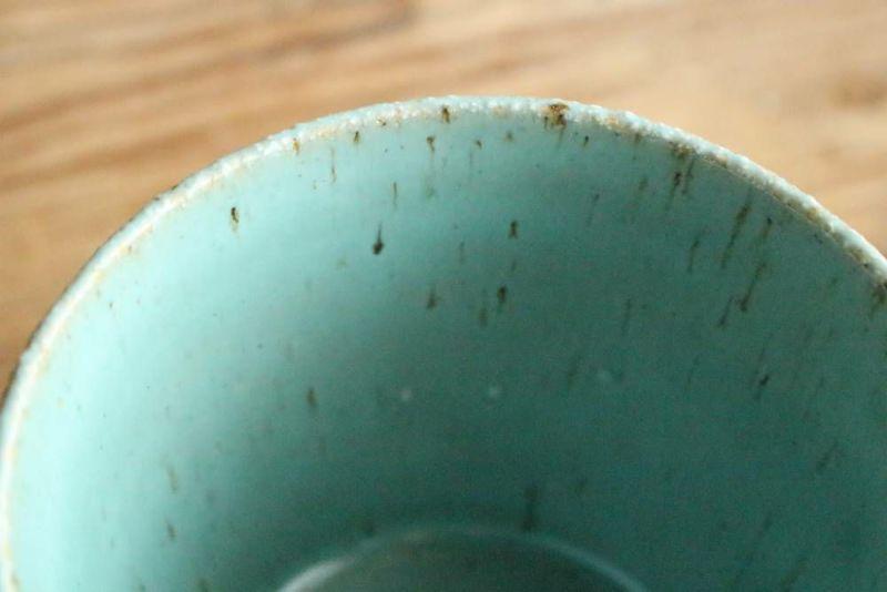 美濃焼きのマグカップ青土