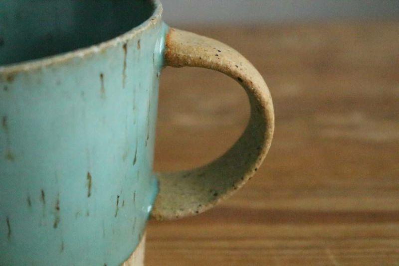 美濃焼きのマグカップ青取っ手