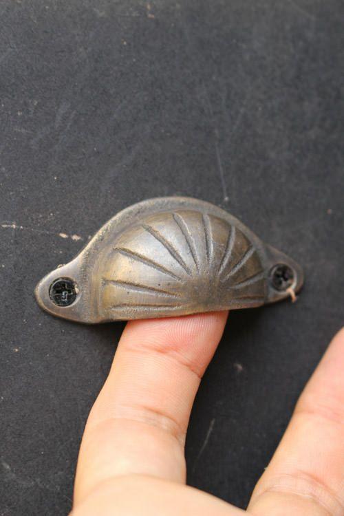 真鍮古色仕上げの小さなハンドル