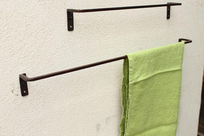 鉄製の使いやすいタオルバー