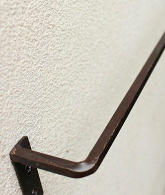 おしゃれな壁付けタオルハンガー