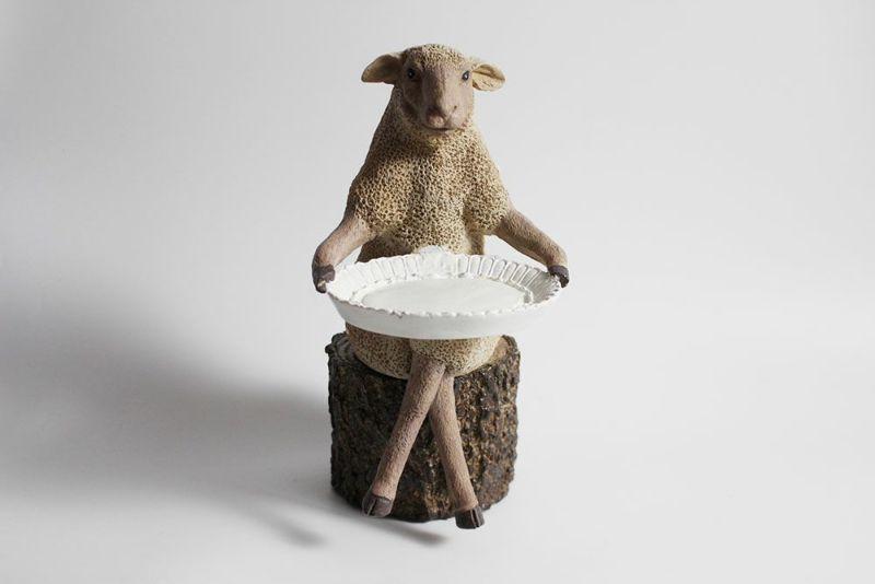 羊の可愛いオブジェ