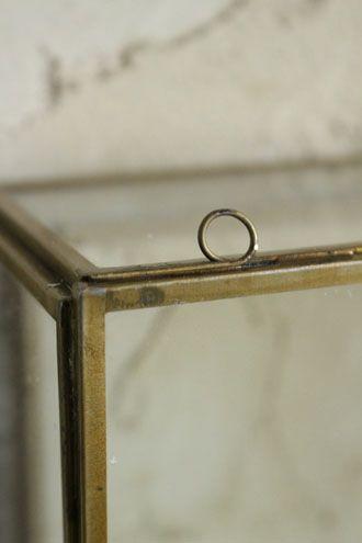 真鍮の小さなキャビネット