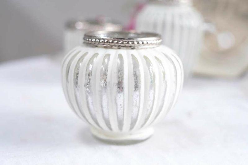 デザインの可愛いミニ花瓶