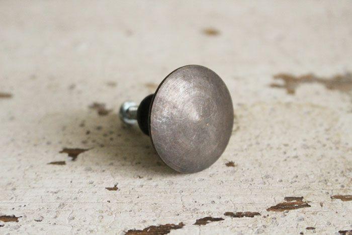 真鍮古色仕上げのツマミX