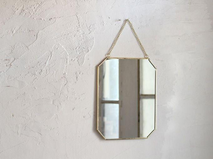 シンプルな四角い壁掛けミラー