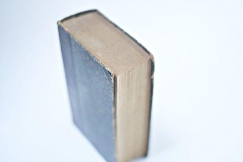 200年前のアンティークブック