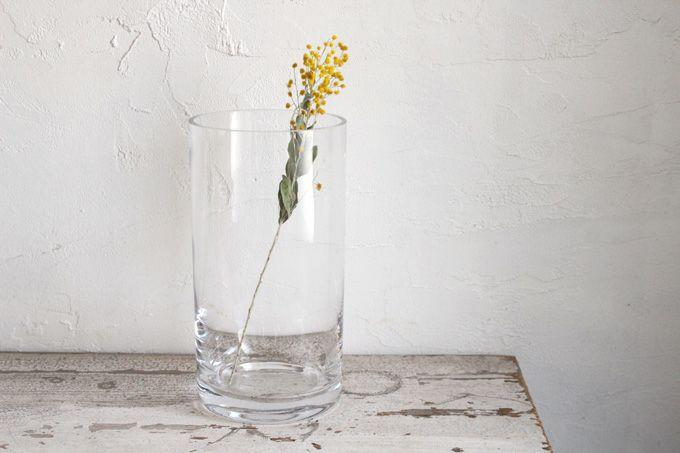 ガラスのシリンダーベース