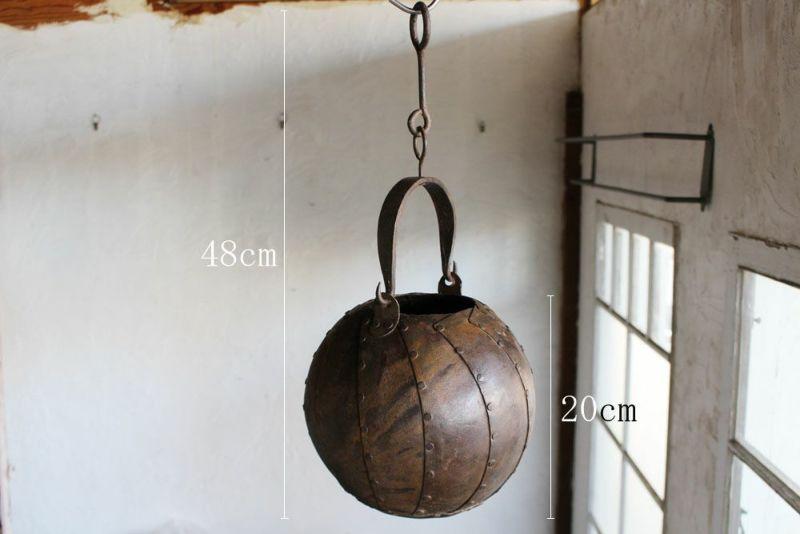 鉄製のハンギングポット