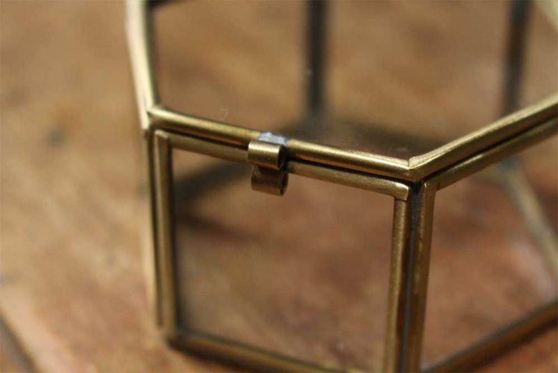 蓋付きのガラスジュエリーボックス