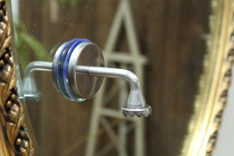石鹸を浮かせて収納できるホルダー