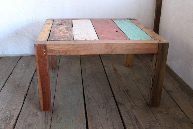 古材のチーク材を使ったコーヒーテーブル