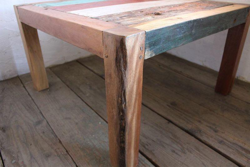古材を使ったソファーテーブル