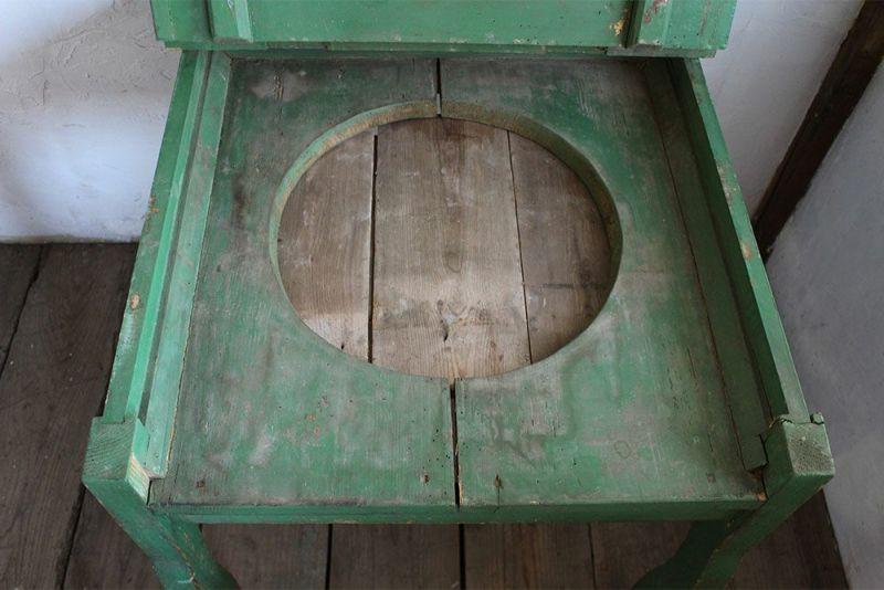 ウォッシュスタンドとして使われていた小さなテーブル