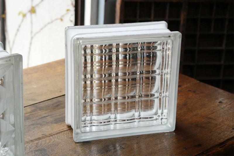 マンションなど建物の外装に使うガラスブロック