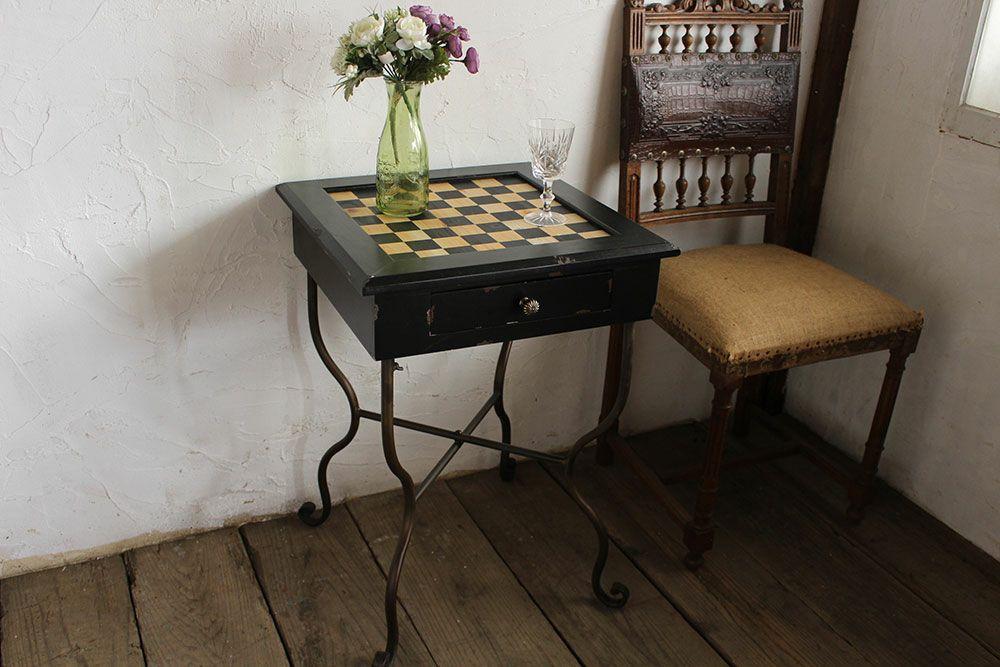 グラスゴー・チェスボードテーブル