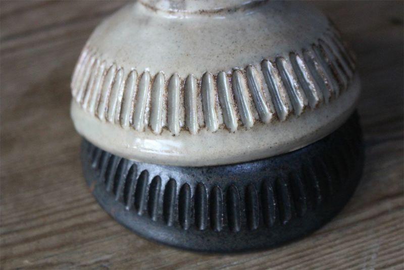 粉引きと鉄黒の釉薬