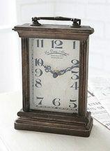文字盤や針のデザインが可愛い置時計
