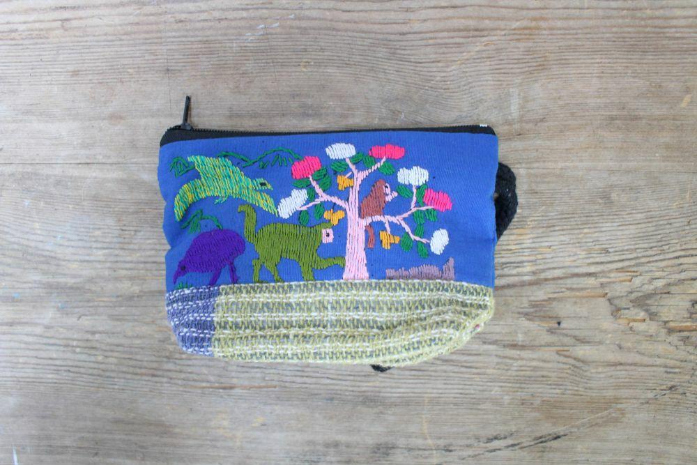 ラオス手刺繍ポーチ(森の動物・森の暮らし)Sサイズマチあり