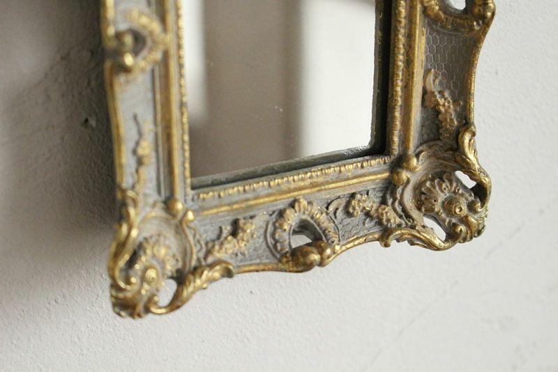 壁掛け、卓上どちらでの使える鏡