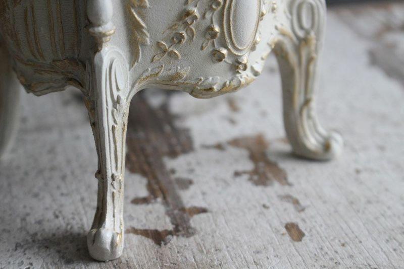 猫足のジュエリーケース