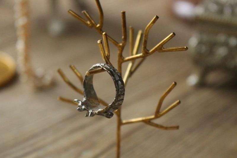 ツリー型の指輪ホルダー
