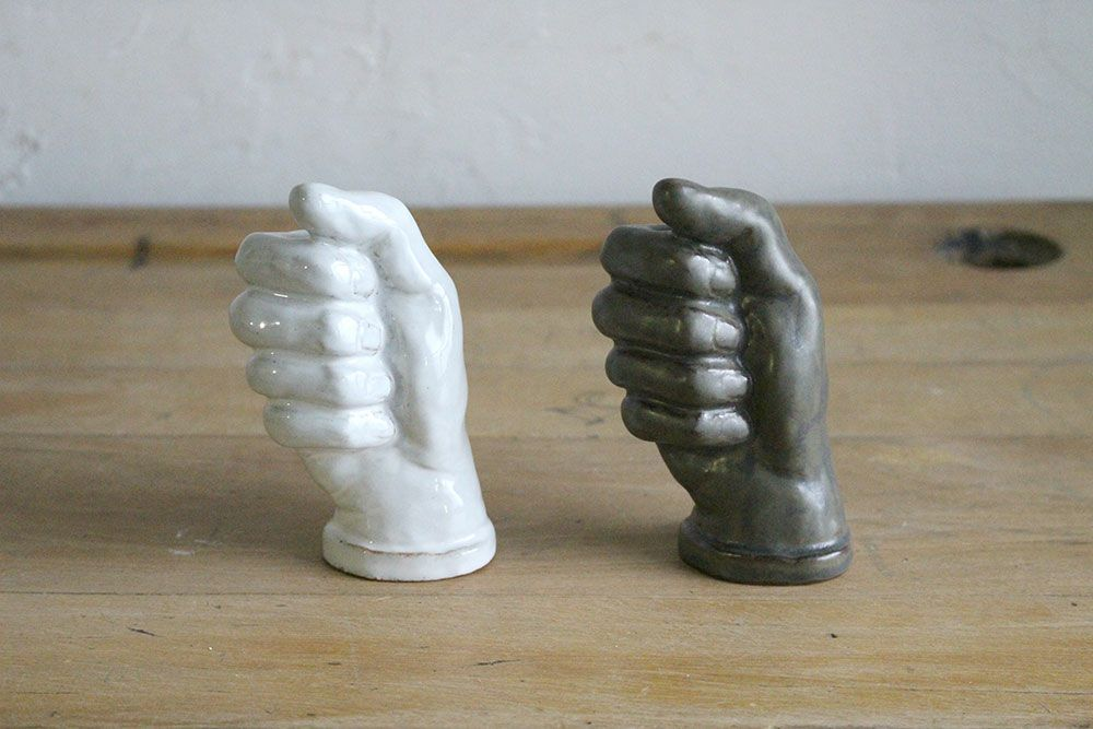 AS POTTERY / HAND