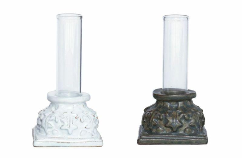 左がホワイト、右がラスティグリーン