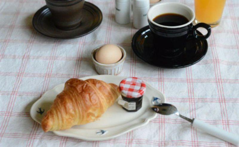 さわやかな朝食のためのプレート