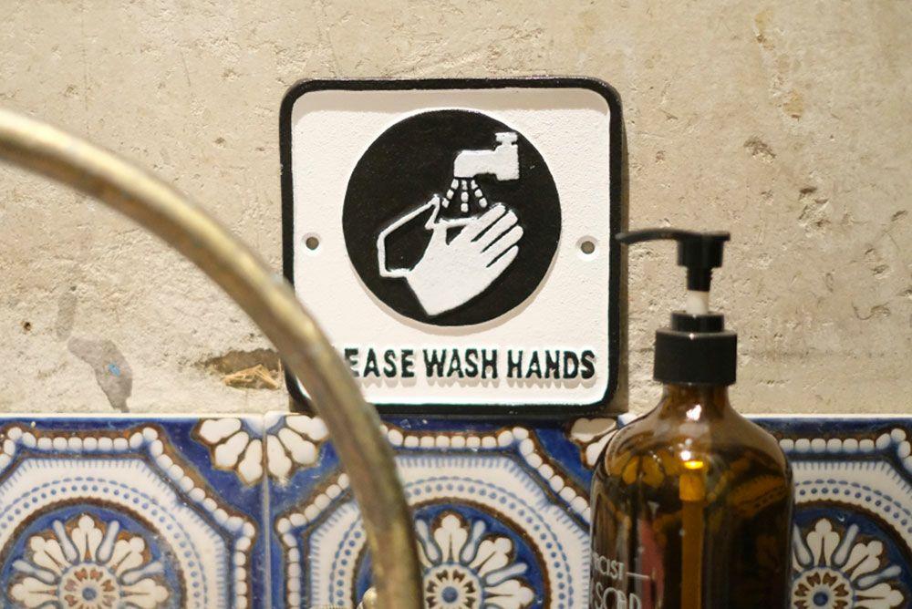 アイアンプレート・WASH HANDS