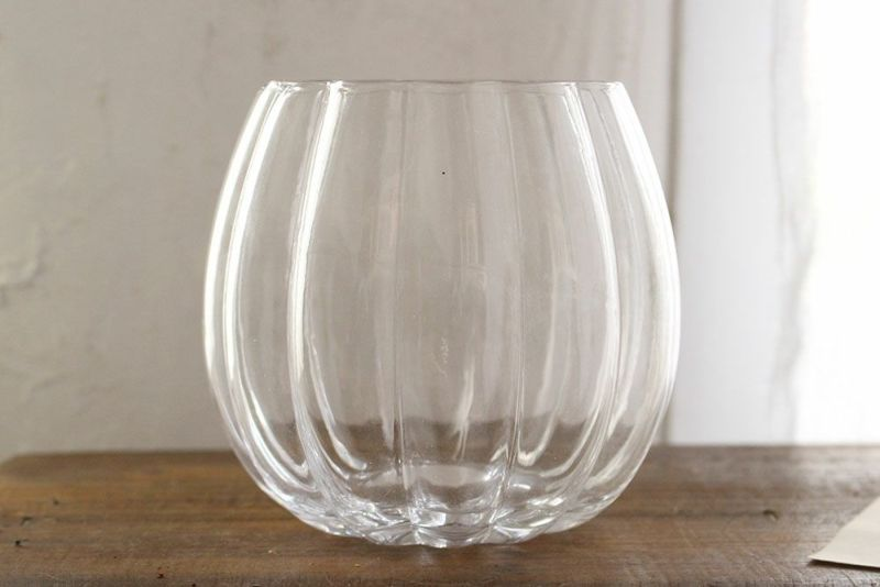 可愛いガラスの花瓶