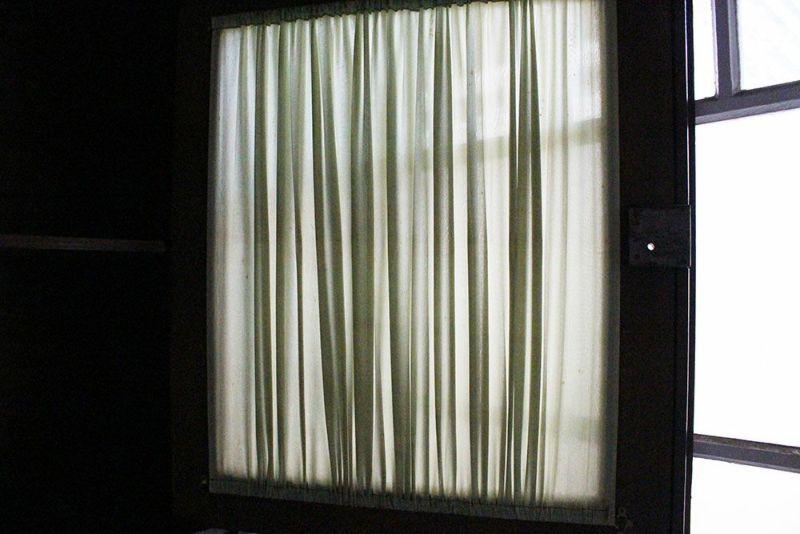 上段収納のカーテン