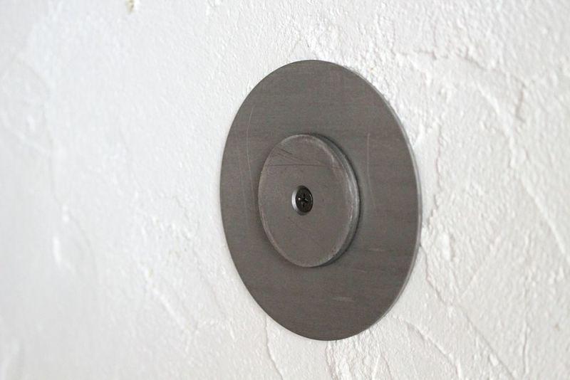 壁に設置する鏡