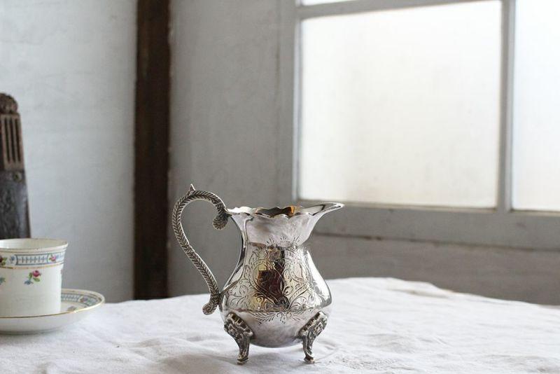 イギリスアンティークシルバーのミルクジャグ