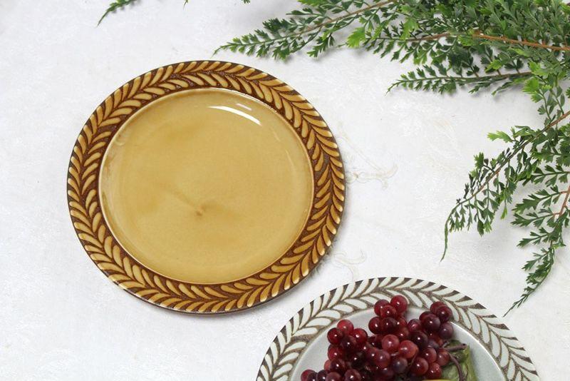 北欧風のお皿ブラウン