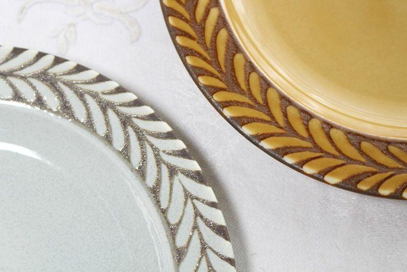北欧風のお皿葉の模様