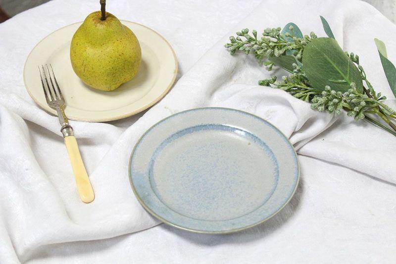 かわいい薄青のお皿