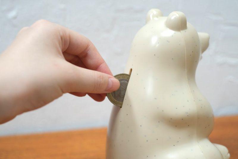 動物モチーフの貯金箱