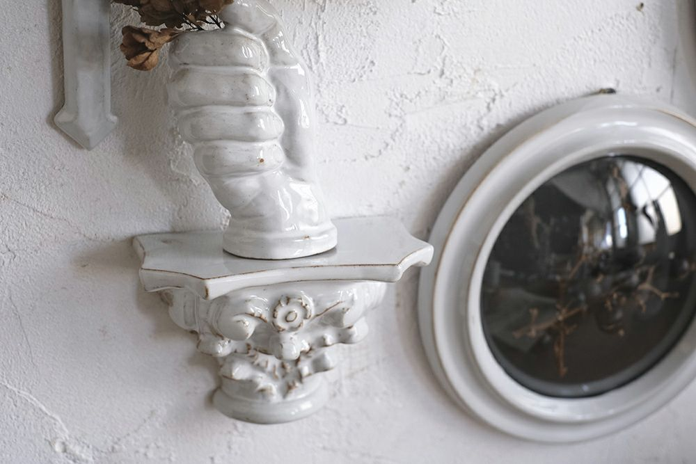 AS POTTERY / ACANTHUS