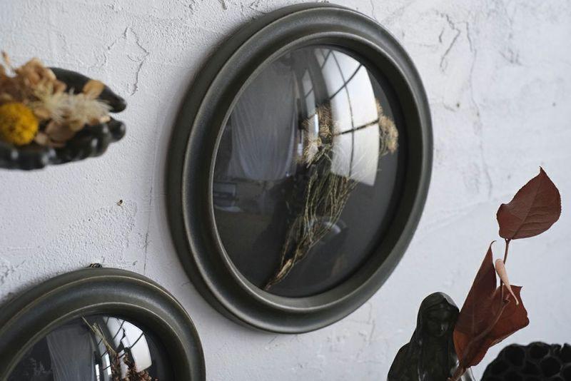 陶器でできたガラスケース